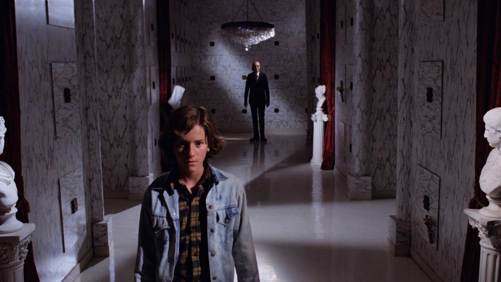 PHANTASM - Mike and Tall Man in Mausoleum