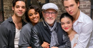Spielberg's 'West Side Story' Wraps With Letter en Español
